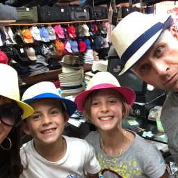 The Pros & Cons of Traveling with Kids